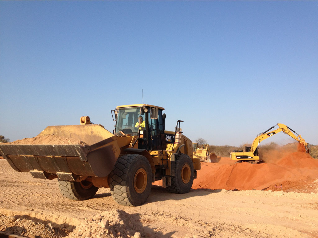 Front end loaders for wet or dry hire in Geraldton WA