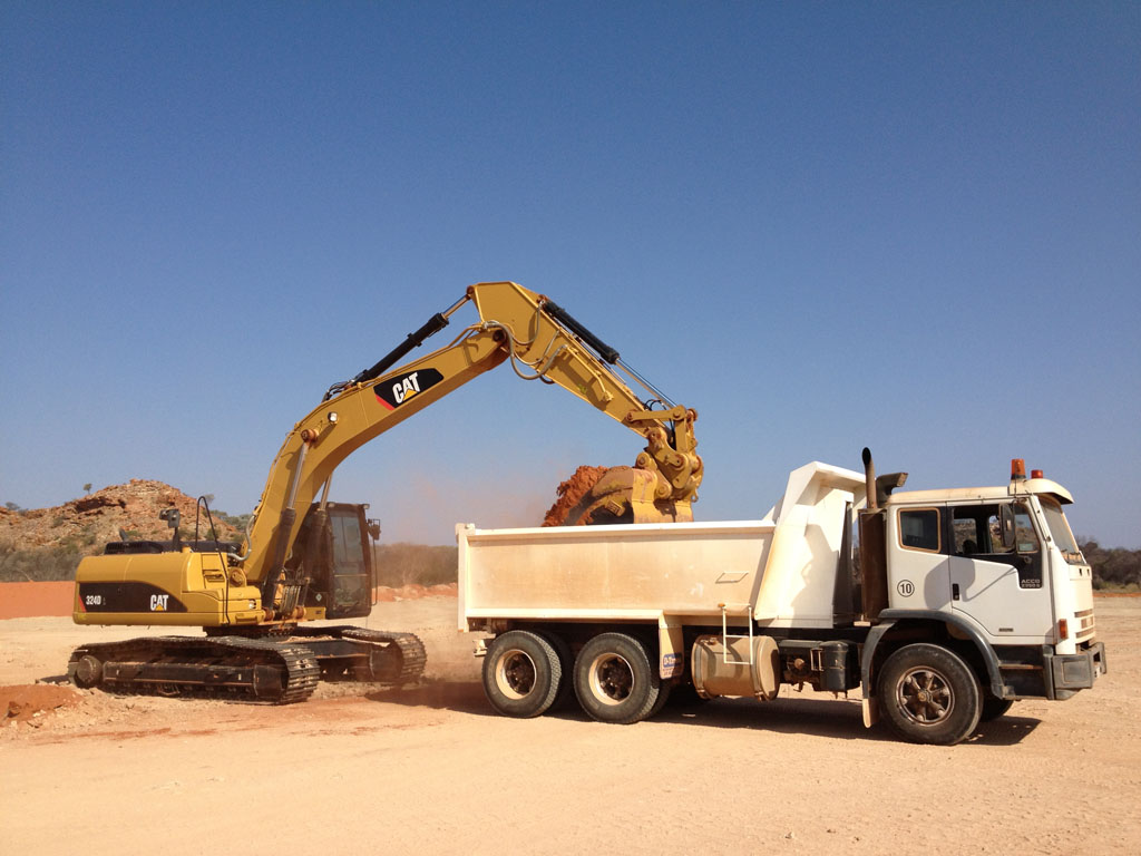 Excavators for wet or dry hire in Geraldton WA